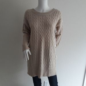 Onetheland Cable Knit Sweater wth Tied-up Back